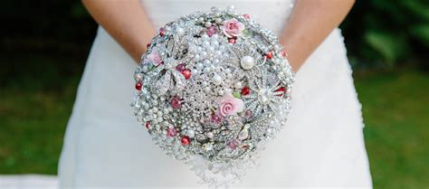 Wedding Bouquet Uk by Brooch Bouquets Alternative Wedding Bouquets With Wow