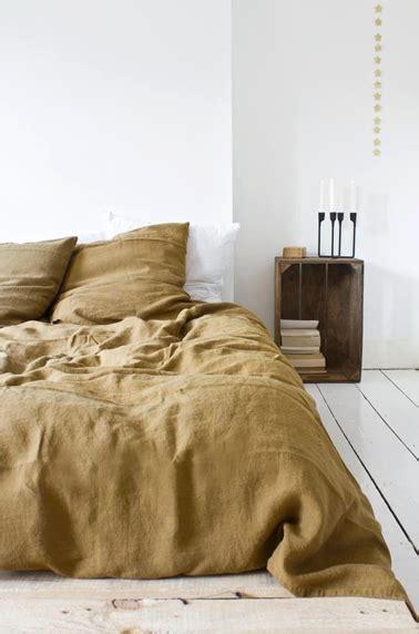 idee table de nuit d 233 co de chambre zen avec table de nuit en caisse de r 233 cup