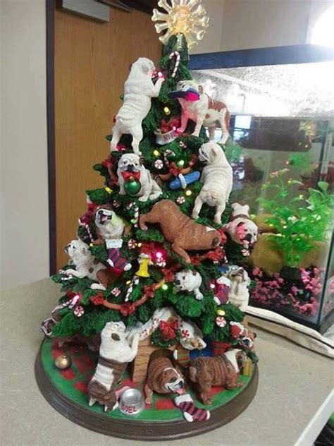 bulldog s christmas tree i animals ʕ ᴥ ʔ pinterest