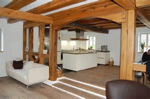 Moderne Bodenfliesen Wohnzimmer Denkmalgesch 252 Tzes Fachwerkhaus Und Moderne K 252 Che