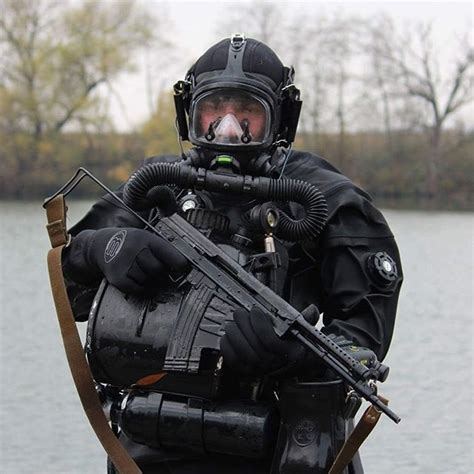 cool tactical gear 17 best ideas about cool tactical gear on