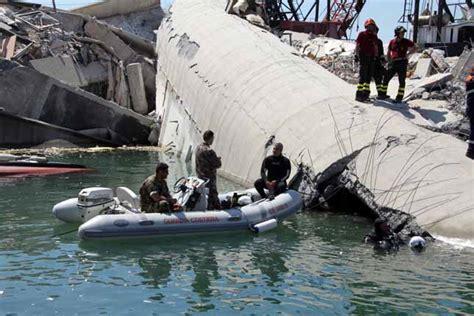 notizie sul porto di genova tragedia al porto di genova sommozzatori al lavoro in