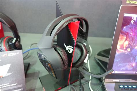 Headset Republic Of Gamers asus unveils rog centurion 7 1 headset with hdmi input