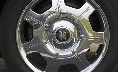 rolls royce wheels 301 moved permanently