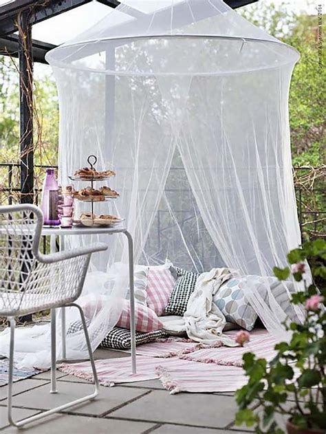 Homestyle Mi Pillows by 20 Cozy Outdoor Nooks Inspiring Your Inner Bookworm