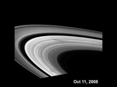 youtube saturns pattern quot spokes quot in saturn s rings youtube