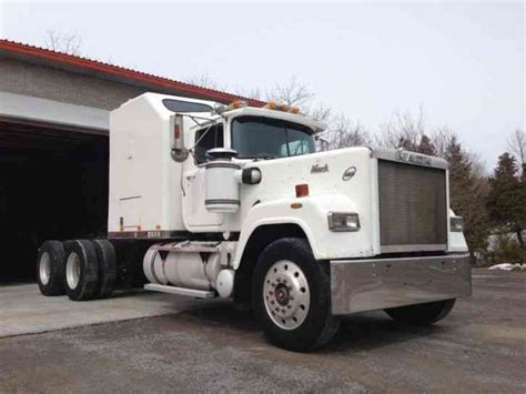Mack Superliner Sleeper by Mack Superliner Rw713 1989 Sleeper Semi Trucks