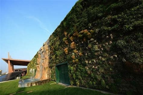 Largest Vertical Garden World S Vertical Garden One More Reason To Visit