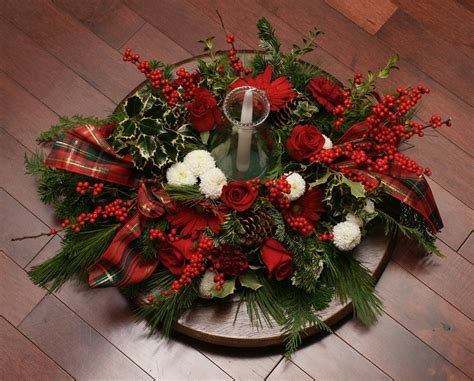 Christmas Candle Table Centerpieces - stunning indoor christmas candle inspirations for christmas table easyday