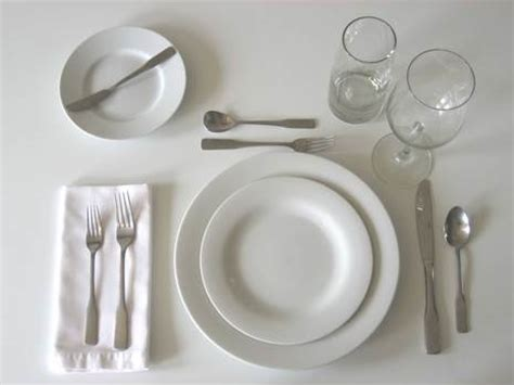 how to set a dinner table how to set a table 187 curbly diy design decor