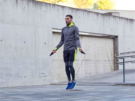 Lompat Tali mudah dan murah 8 manfaat olahraga lompat tali bagi kesehatan