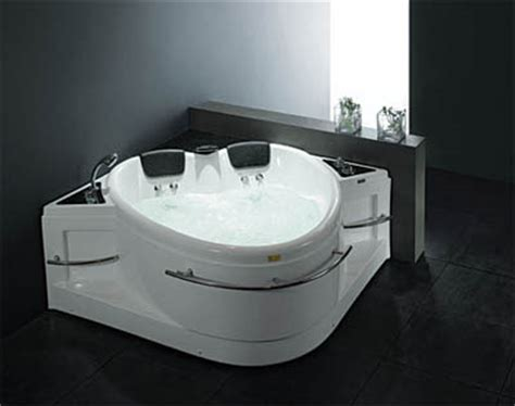 heart shaped bathtub we heart 18 heart shaped product designs design swan