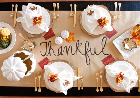 Diy Thanksgiving Table Runner The Chic Site