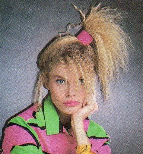 hairstyles of the 80s side ponytail 80 s crimped hair side high ponytil scrunchie and