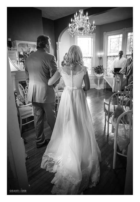 Hampton Roads Wedding Photographers   Lindsey   Josh