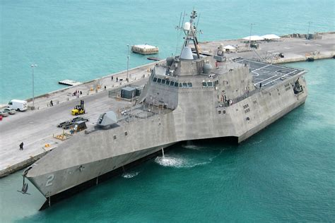 trimaran independence class size matters 5 reasons the littoral combat ship is