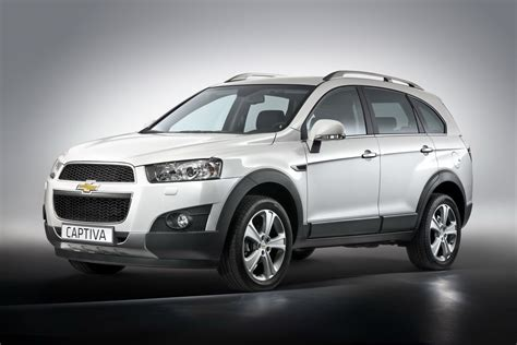 chevrolet captiva 2011 chevrolet captiva facelift first images of refreshed