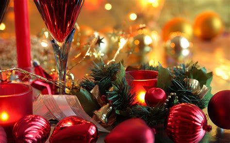 christmas decorations on the table wallpapers and images