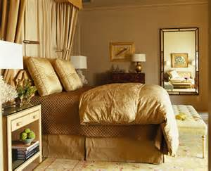 golden furnishers and decorators jak stosowac kolory we wnetrzu aranzacje kolorem zloty zloto sypialnia 1b architekt o