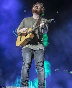 ed sheeran australia ed sheeran kicks off his biggest australian tour yet in