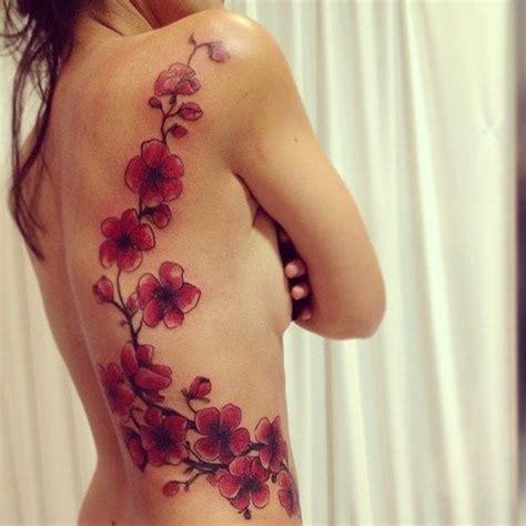 tatto fiori di ciliegio tatuaggi coi fiori di ciliegio foto e significato
