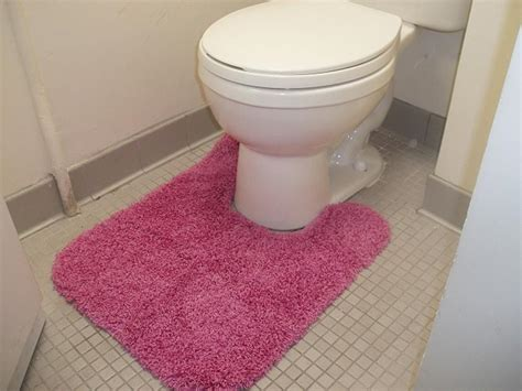 toilet bowl rugs 25 decorating mistakes and solutions hgtv