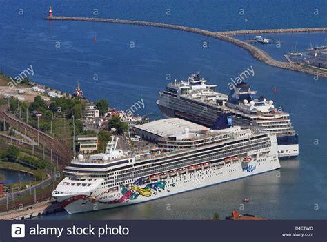 ship jewel norwegian jewel cruise ship stock photos norwegian jewel