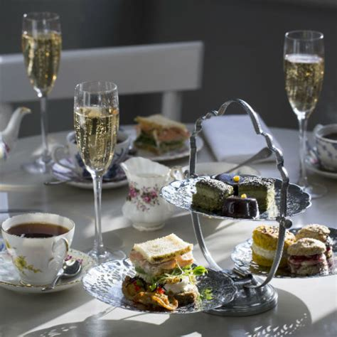 christmas afternoon teas    book  ideal home