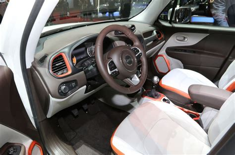 jeep renegade 2018 interior 2018 jeep renegade interior look and features 2018