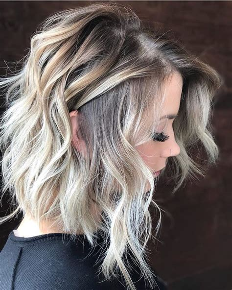 Wavy Hairstyles Medium Length Hair by 10 Wavy Haircuts For Medium Length Hair 2019