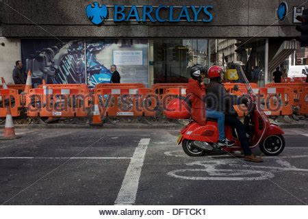 barclays bank moorgate city of uk junction of moorgate and wall