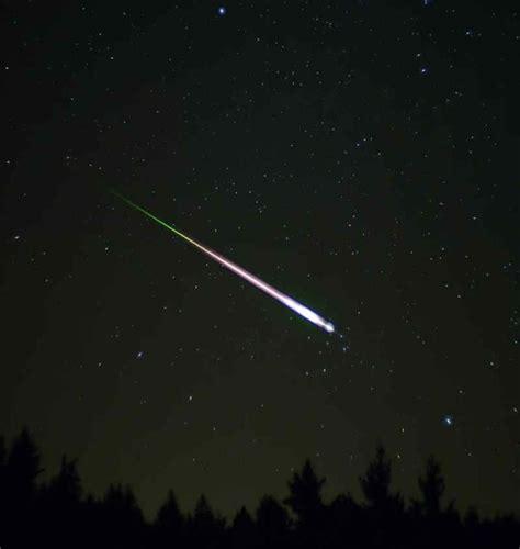 Leonid Meteor Showers by Leonid Meteor Shower 2012 This Weekend Wordlesstech