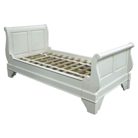 White Sleigh Bed White Sleigh Bed White Painted 4ft 6in Sleigh Bed High Foot Board Bordeaux Style White Wooden