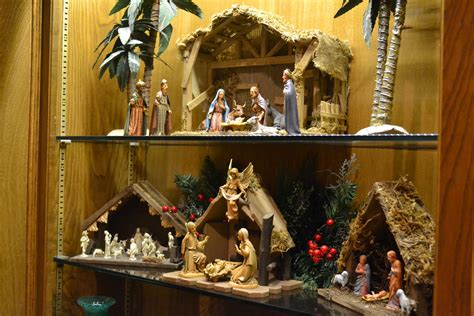 child  born nativity sets   good news