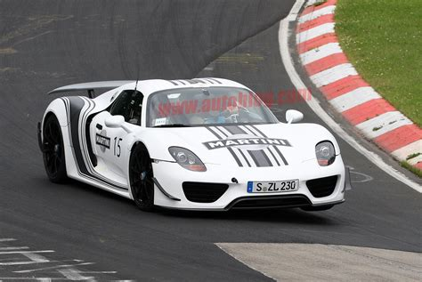 martini porsche 918 porsche 918 spyder prototype looks sensational in martini