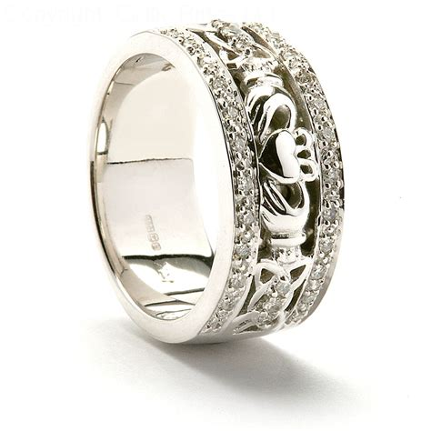 Wedding Meaning by Claddagh Wedding Ring Meaning And Symbolism Resolve40