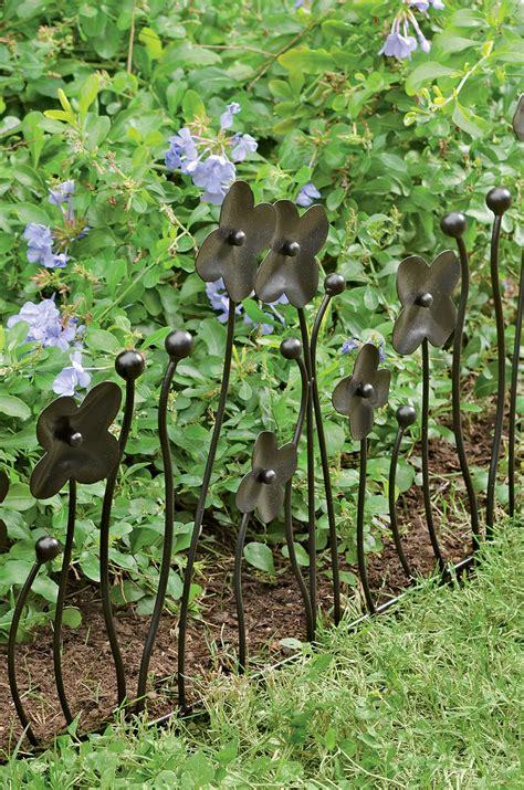 dekoelemente garten garden border fencing decorative edging with flowers