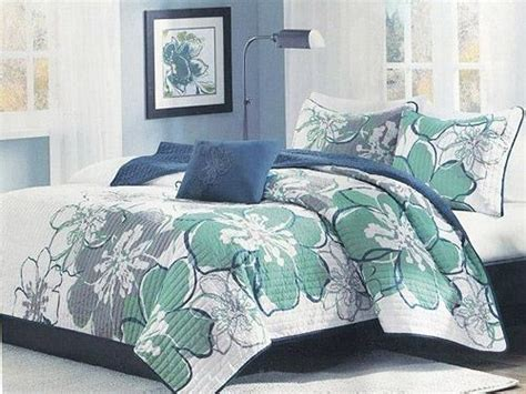hibiscus bedding aloha hibiscus full queen coverlet set oceanstyles com