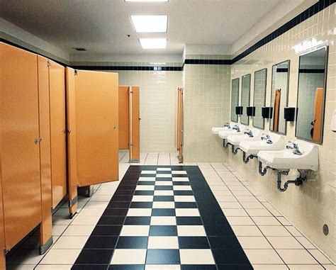 bathroom division 20 essential rules of workplace bathroom etiquette