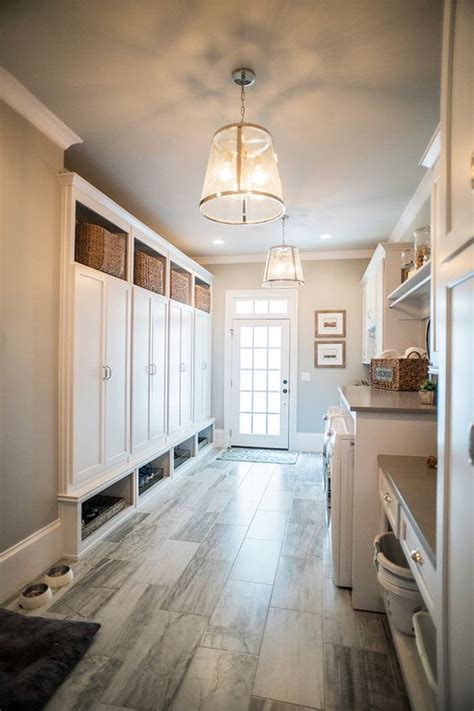 28 clever mudroom laundry combo ideas shelterness floor plans for laundry rooms mudrooms thefloors co