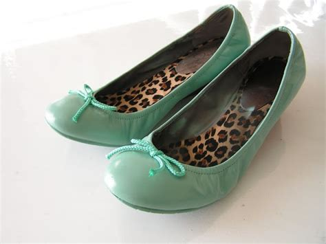 spray painting leather shoes painting leather shoes crafts