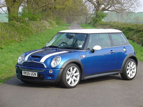 A Mini Cooper by Mini Cooper S Hatchback Review 2002 2006 Parkers