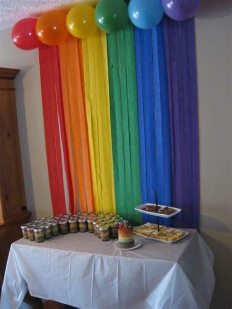 decorar pared con globos y papel crepe decoraci 243 n con cortinas de papel crep 233 dale detalles