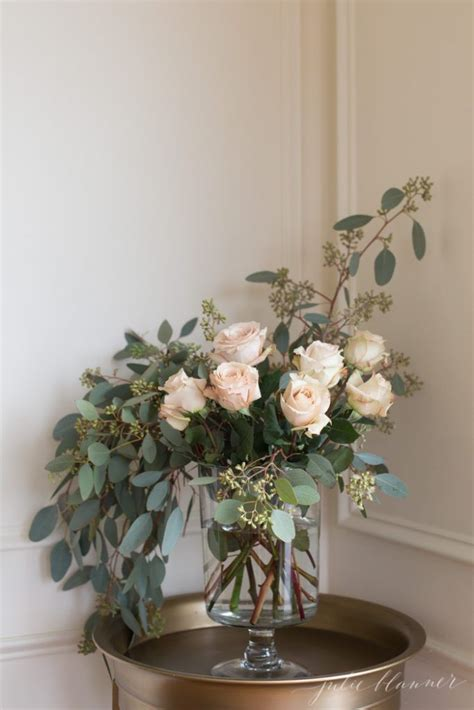 simple floral arrangements 25 best ideas about easy flower arrangements on pinterest diy flower arrangements flower
