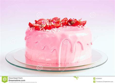 rosa kuchen rosa kuchen mit erdbeere stockfoto bild 42395635