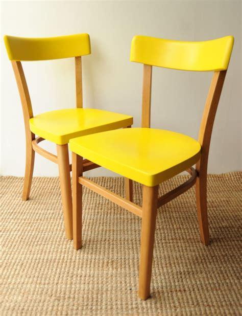 chaises jaunes les 25 meilleures id 233 es de la cat 233 gorie chaises jaunes sur