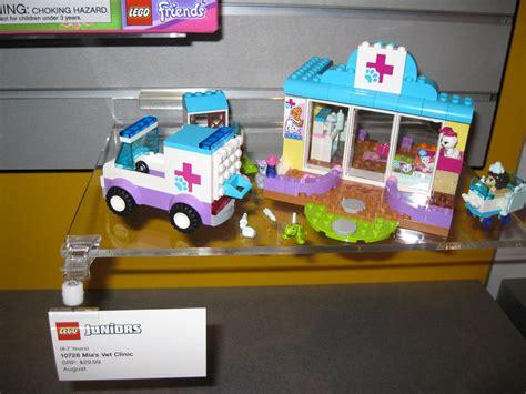 Lego Juniors 10728 Mias Vet Clinic toys n bricks lego news site sales deals reviews
