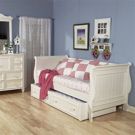 day bed headboards beach cottage day bed rosenberryrooms com