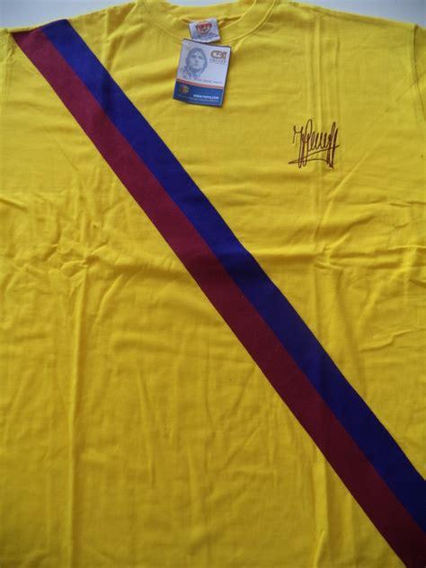 Barcelona Signature 1 T Shirt johan cruijff fc barcelona shirt with embroidered