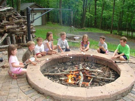 Fire Pits In Backyards 17 Amazing Backyard Fire Pits To Gather Around Page 2 Of 4